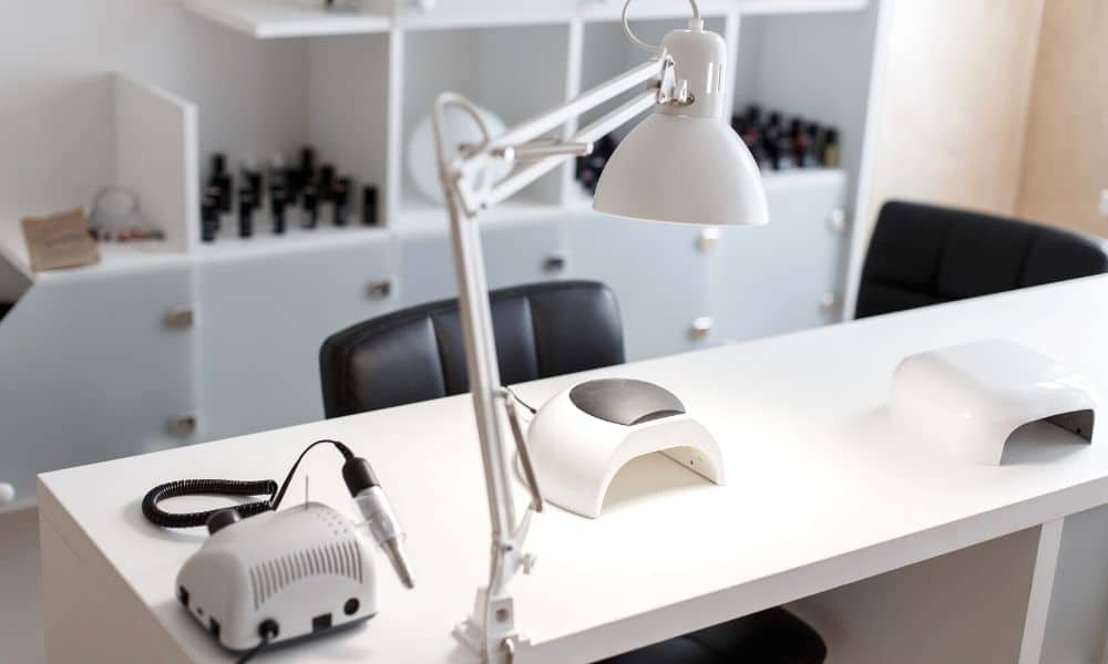 How To Choose the Right Manicure Table