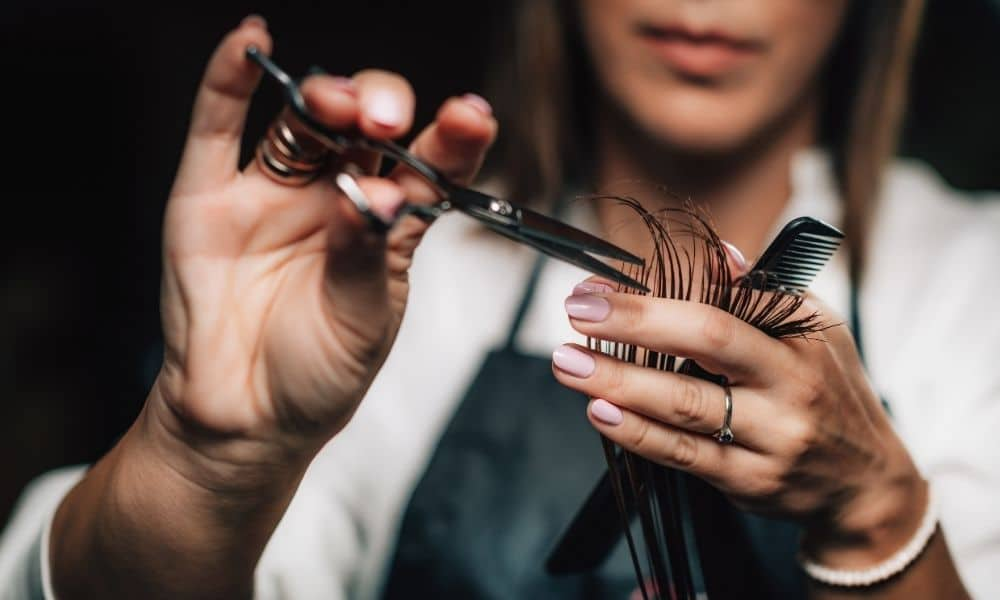 How To Bring Repeat Customers Into Your Salon